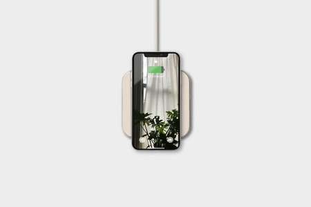Stay Courant Courant Wireless Charger Catch 1