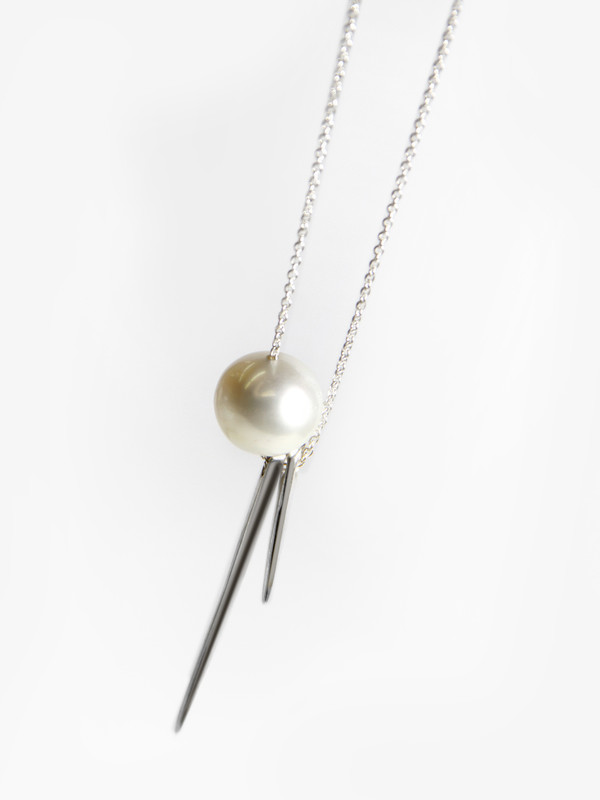 Tamlin Needle Needle Pearl Necklace