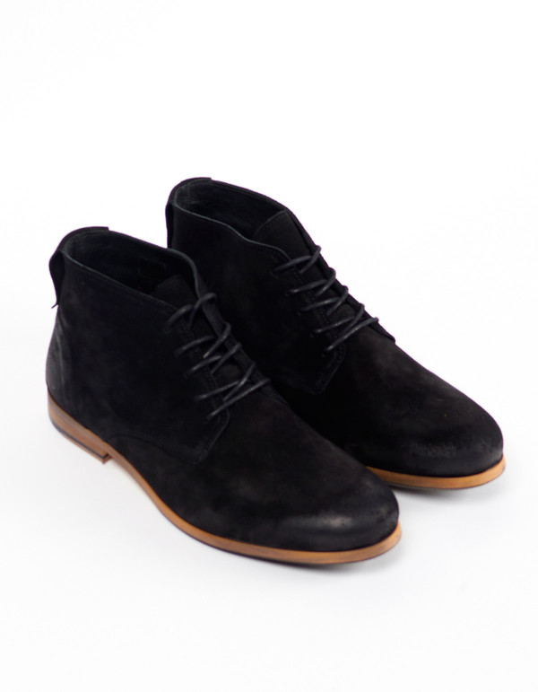 Shoe The Bear Suede Oliver Chukka Black