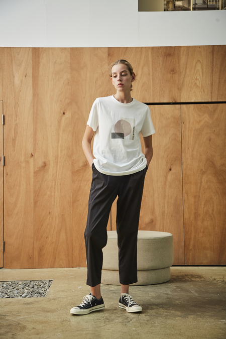 Maison De Ines COTTON T-SHIRT WITH GEOMETRIC GRAPHIC - white