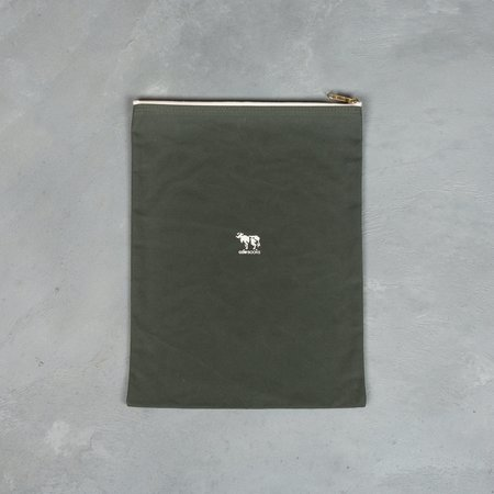 COW BOOKS Pouch - Green