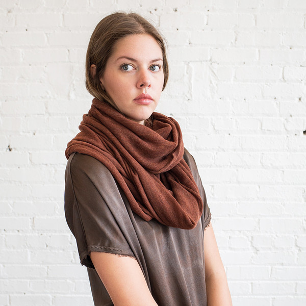 Schai Infinity Feather Cashmere Scarf Dark Rust