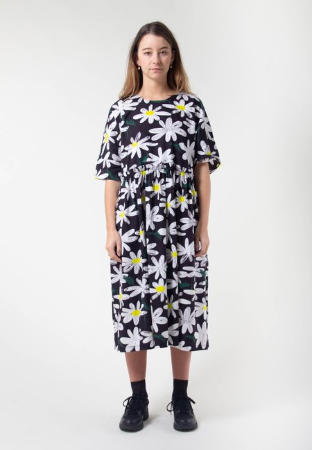 IVY NIU Long Tent Dress - daisies/black