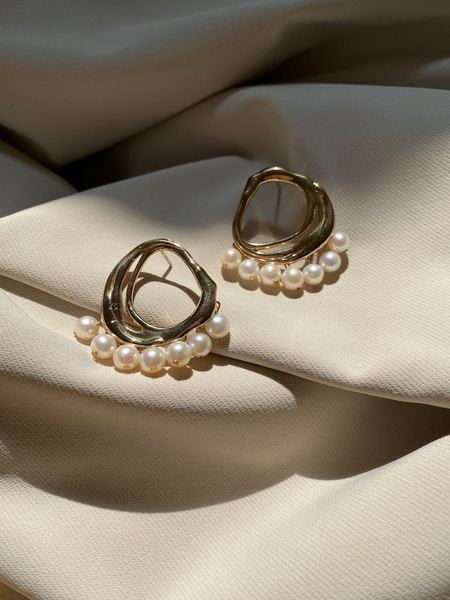 Modern Weaving Organic Dancing Pearl Earrings - Bronze