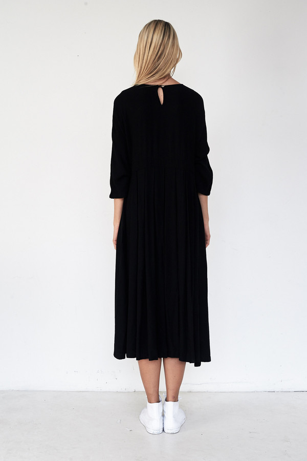Black Crane Rayon Pleated Dress