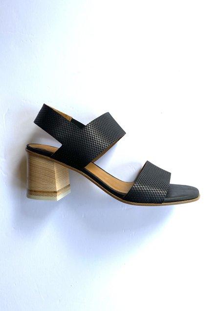 Coclico Bedford Sandal - Grabado Taclo Black