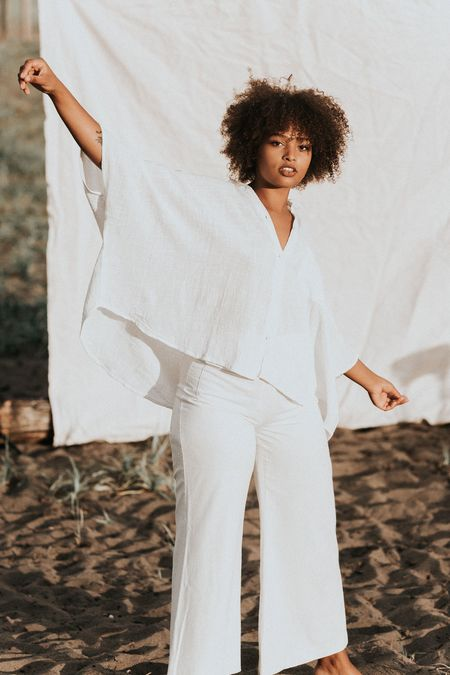 BAHHGOOSE BATWING BLOUSE - White