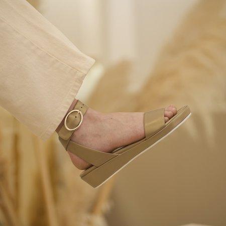 Anne Thomas Romane Nappa Perlato Sabia sandals - green