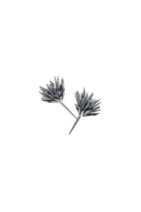 Chee-me-no Single Thistle Post Earrings - Patina