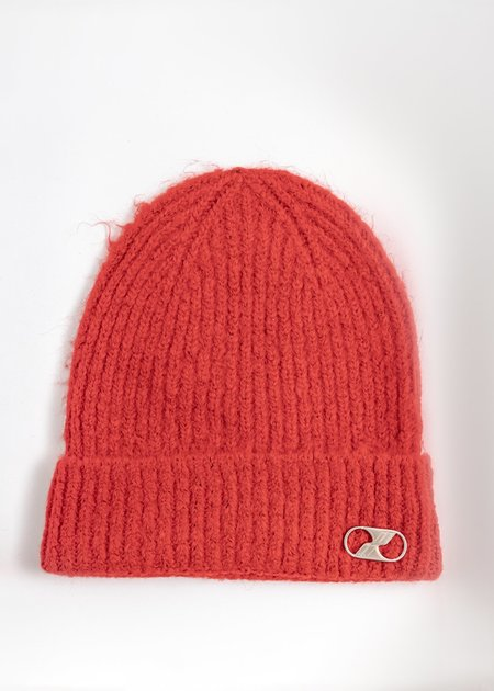 we11done Embroidered Metal Logo Long Beanie - Red