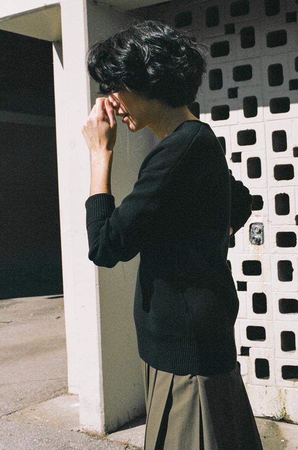 Nomia Oversized V-Neck Sweater - black
