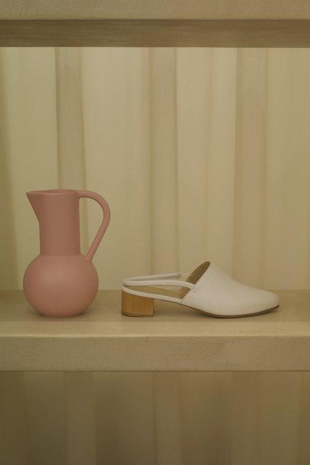 Anne Thomas Williamsburg Shoe - White