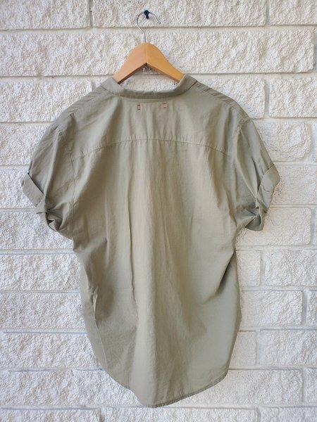 Xirena Channing Shirt - Sandstone