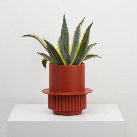 Capra Designs Roma Planter - Terracotta