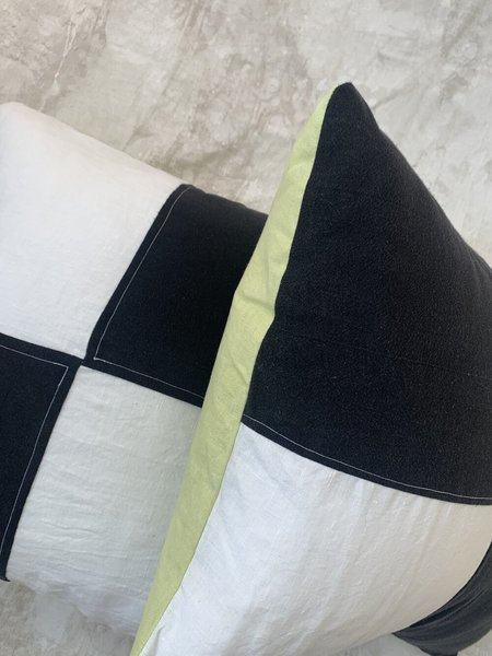 Cuttalossa & Co. Linen Pillow - Black/White
