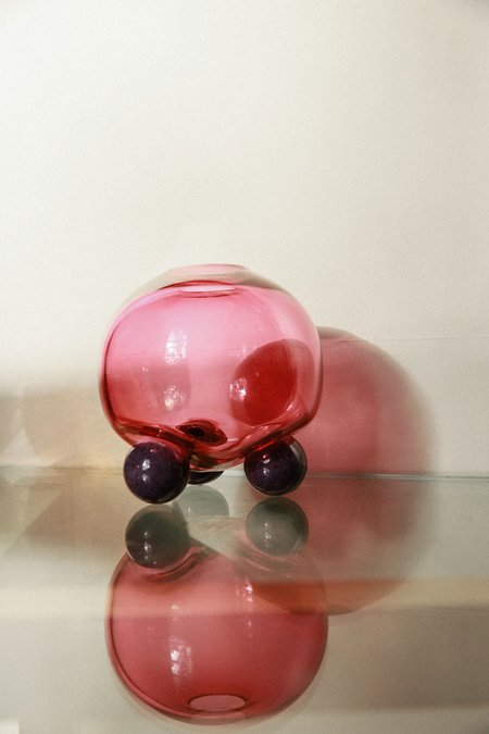 Little Tomato Glass Glass Round Tripod Vase - Ruby/Purple
