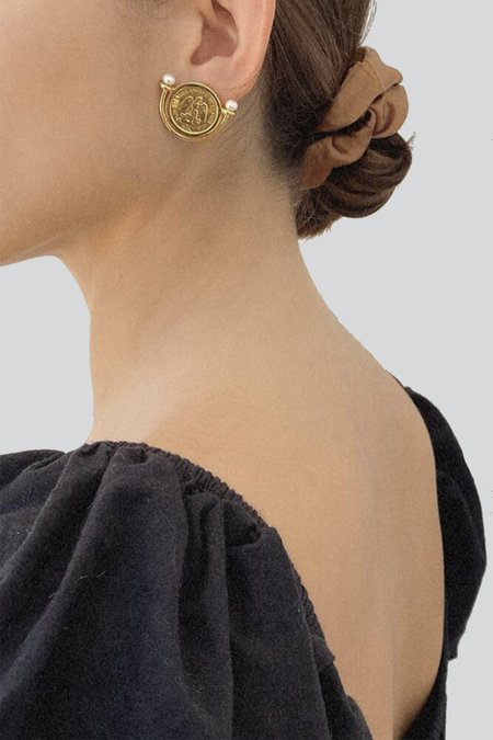 NST STUDIO HEIRLOOM COIN EARRINGS - 18k gold vermeil