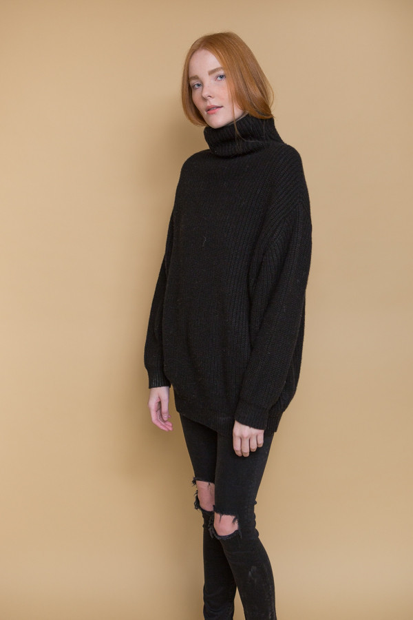 BLQ Basiq Knit Turtleneck Sweater / Black