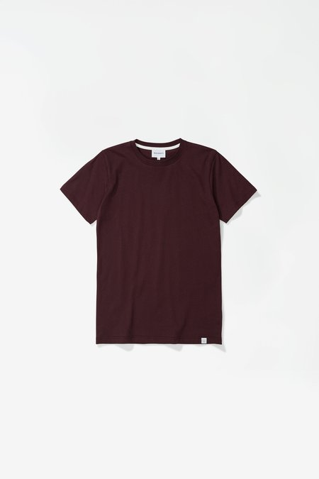 Norse Projects Niels Standard SS Tshirt - Eggplant Brown