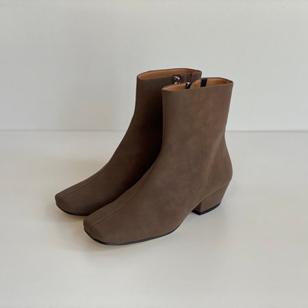 About Arianne Jules Vegan Boot - Charcoal