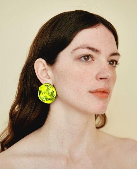 JULIE THÉVENOT Medusa Earrings - Chartreuse