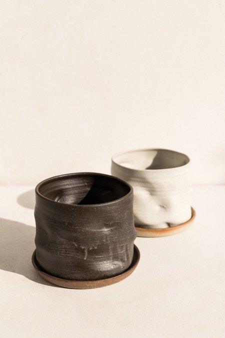 Asobimasu Clay Kyokusen Planter - Black