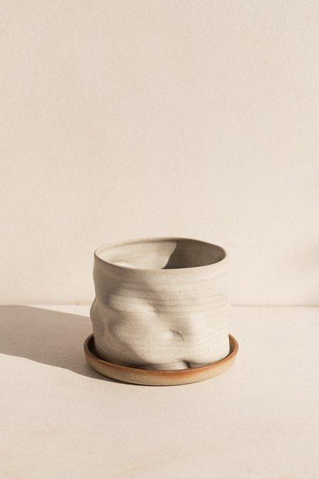 Asobimasu Clay Kyokusen Planter - Ivory