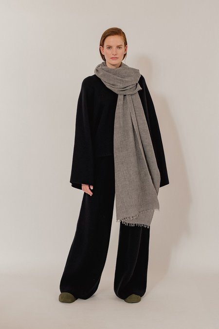 Oyuna Ambra Woven Luxury Wool and Cashmere Throw - Earth