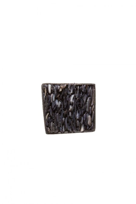 Yen Square Mussel Ring