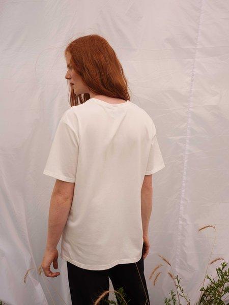 [pre-loved] Odeyalo ALMA basic tee  - white