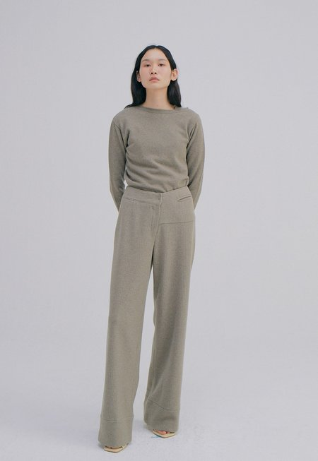 WNDERKAMMER Unbalance Waist Trousers - Light Khaki