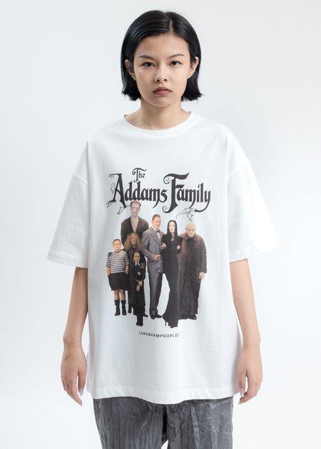 LUKEWARMPEOPLE White Addam's Family Photo Print Tee