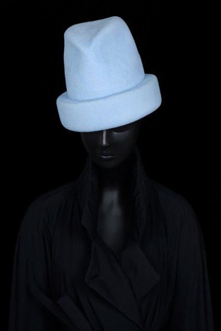 Esenshel SPLIT OVERSIZED CUFF HAT - POWDER