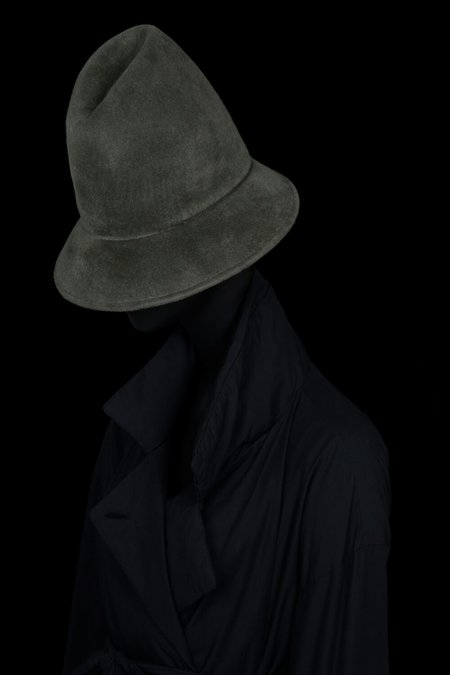 Esenshel PEAK CURVED BRIM HAT - OLIVE