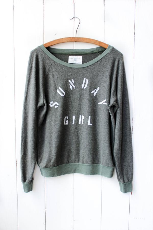 Sunday Girl Pullover