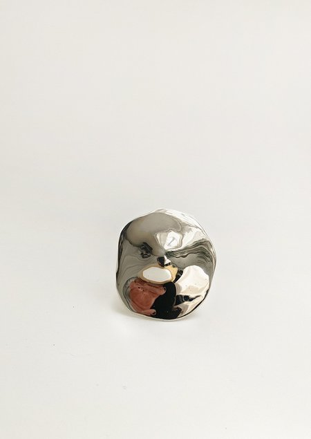 JULIE THÉVENOT ARAPED LARGE RING - White bronze