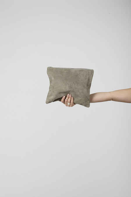BAGGU Large Flat Pouch (Grey Suede)