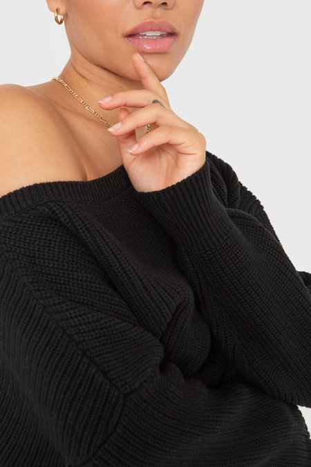 Callahan The Off Shoulder - Black