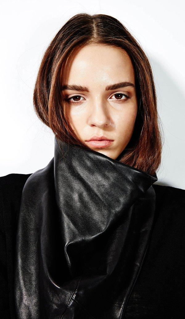 Devlyn Van Loon 'Cowl scarf'