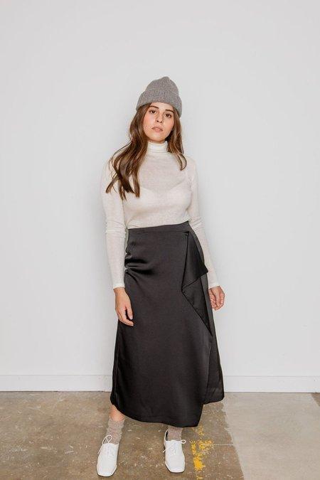 JOWA. Wave Silky Skirt - black