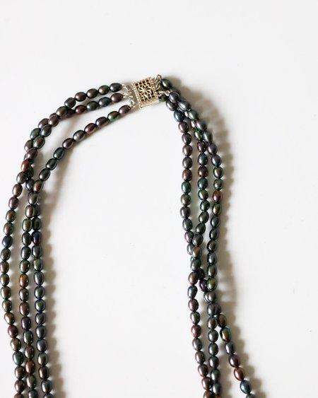 [pre-loved] Black Pearl Triple Strand Necklace