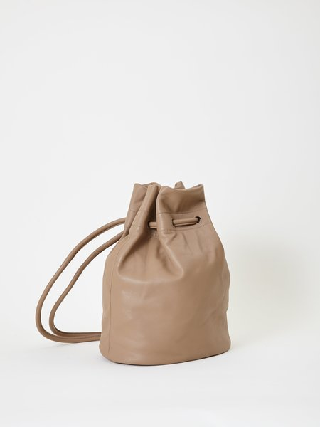 ARE Studio Bell Backpack - dust