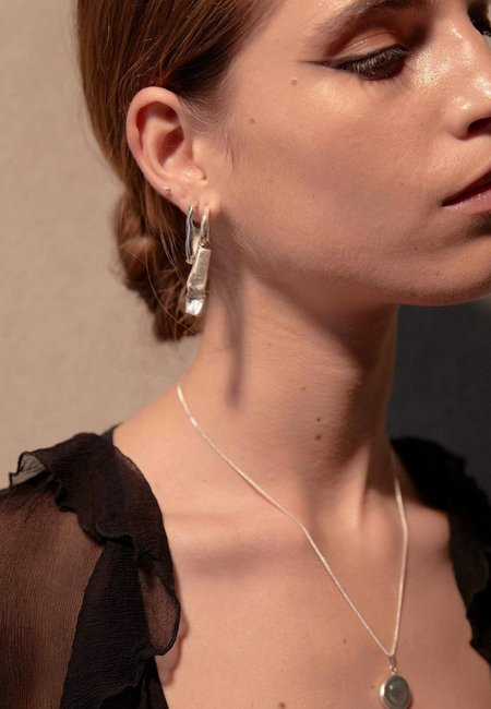 Mars Baccara Earrings - Gold