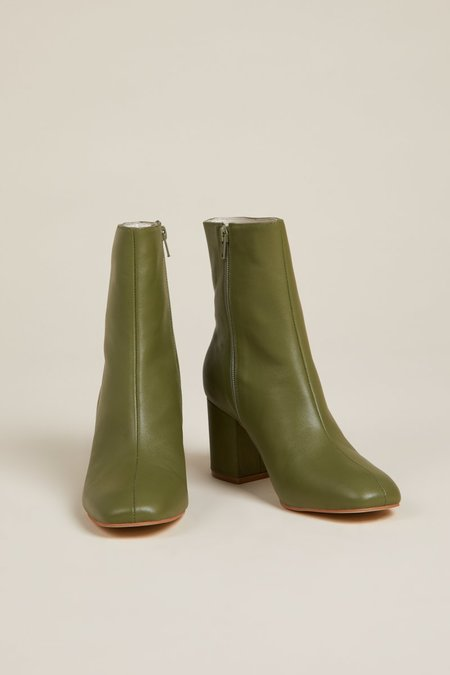 """""""INTENTIONALLY __________."""" Janetta Boots - Cactus"""