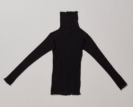 Baserange Pama Turtleneck - Black