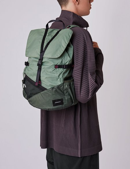 Sandqvist Kasper Lightweight Backpack - Dusty Green/Night Green