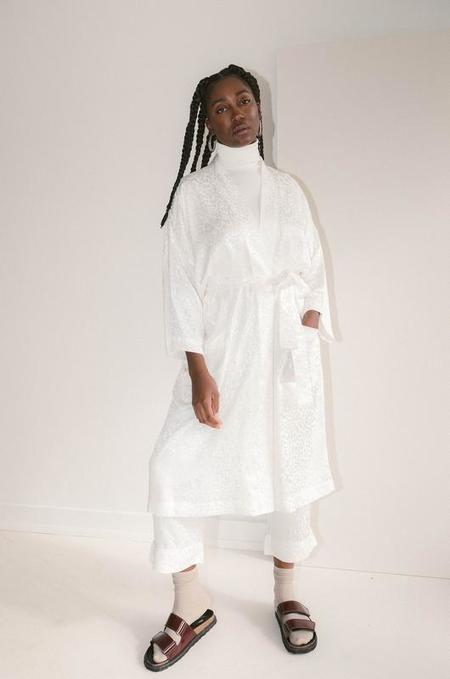 Soft Focus The Classic Robe - White