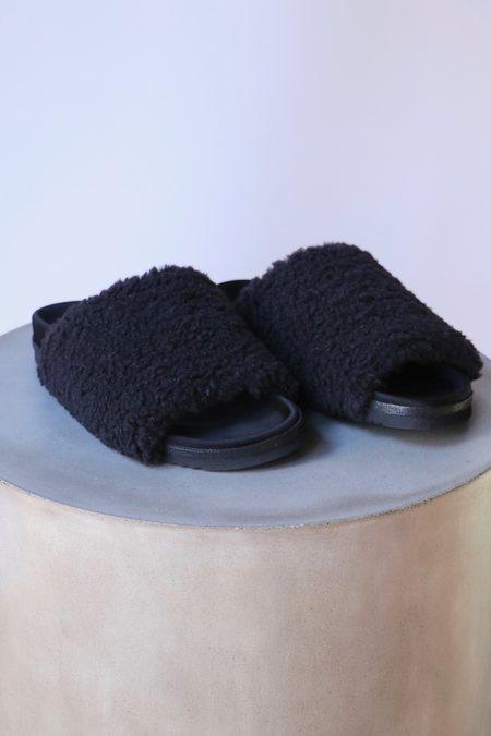 Roam Fuzzy Slider - Black