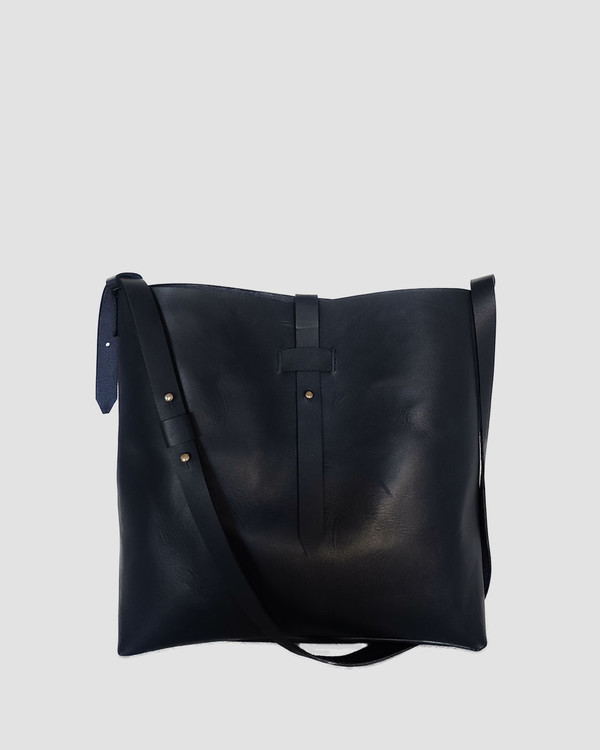 esby leather ESBY BUCKET TOTE - NAVY