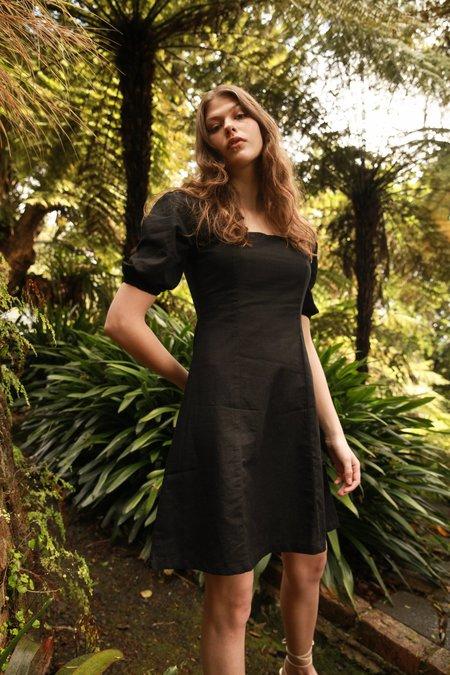 Arc & Bow Magnetic Dress - Black